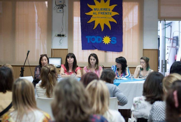 """Por un proyecto político """"popular, democrático y feminista"""""""