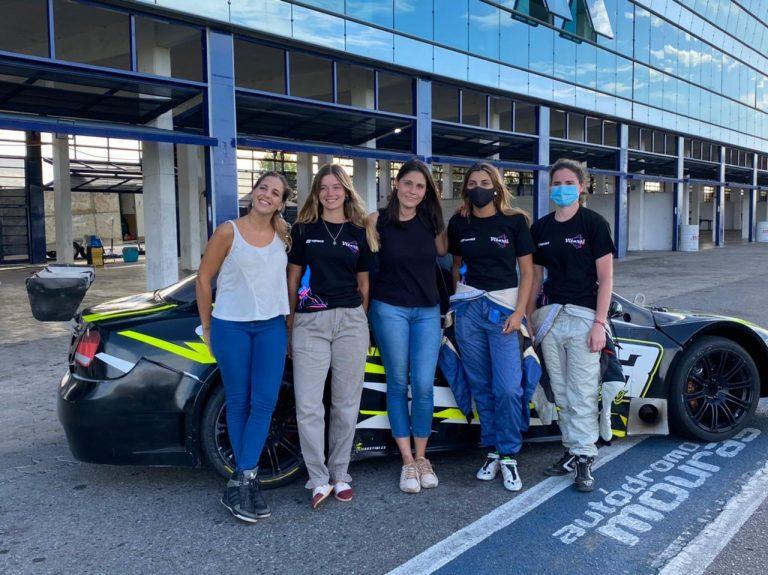 Conformaron el primer equipo femenino de automovilismo del país: «Esto es algo histórico para todas las chicas»